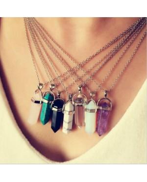 Дамски колиета с разноцветни камъни